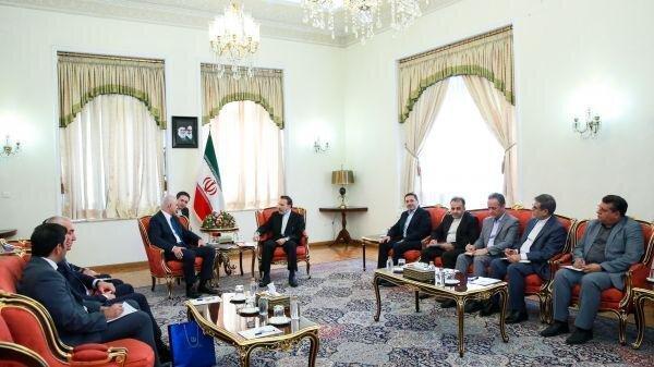 واعظی: روابط و همکاری های تهران - باکو همچنان در حال گسترش است