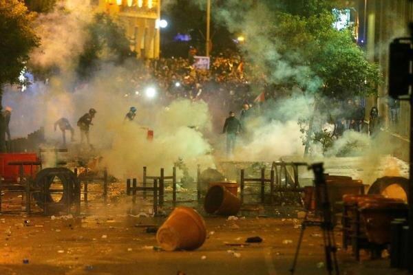 اعتراضات خشونت بار در لبنان به سومین شب متوالی کشیده شد