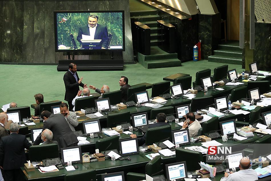 تشکل های دانشجویی شهرکرد نامزد های انتخاباتی مجلس را به جلسه پرسش و پاسخ دعوت کردند