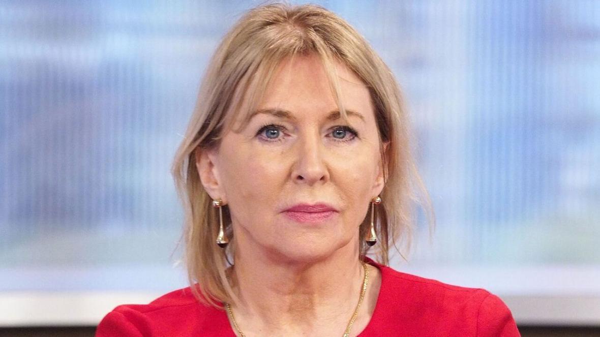 خبرنگاران معاون وزیر بهداشت انگلیس به کرونا مبتلا شد