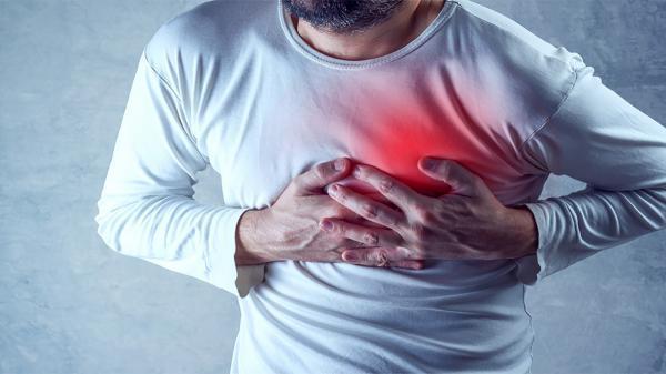 علائمی که یک ماه پیش از سکته قلبی در بدن ظاهر می شوند